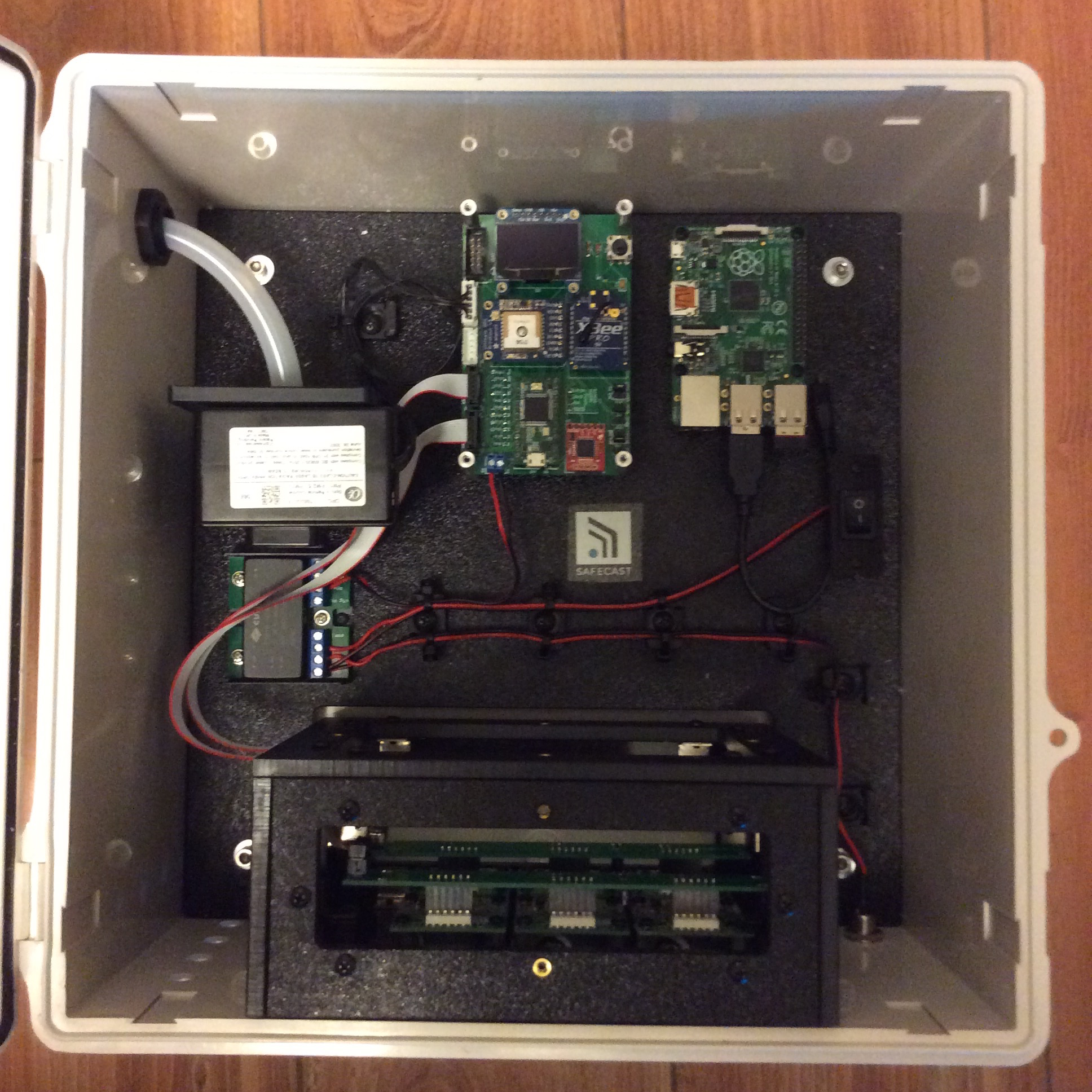 Air Prototype 001 (Static, 6 gases and particulate, includes Raspberry Pi for remote SSH)